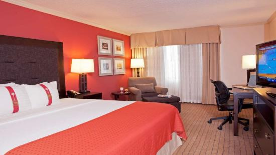 Itasca, IL: Guest Room