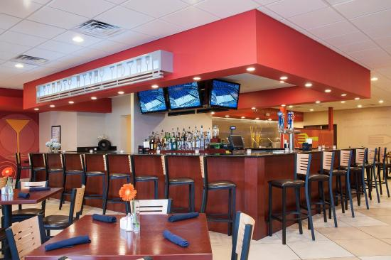 Kem's Restaurant with Full Bar at Holiday Inn Chicago West Itasca