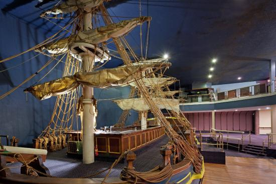 Holiday Inn Nashua: The Bounty, the area's only indoor ship.