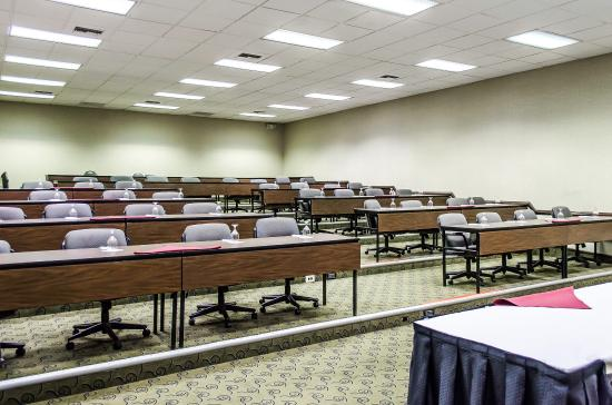 Clarion Inn & Conference Center: Boardroom