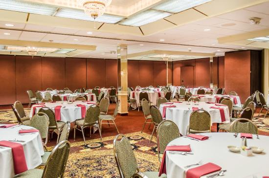 Clarion Inn & Conference Center: Ballroom