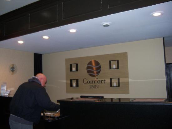 Comfort Inn of Lancaster County North: Checking in the hotel