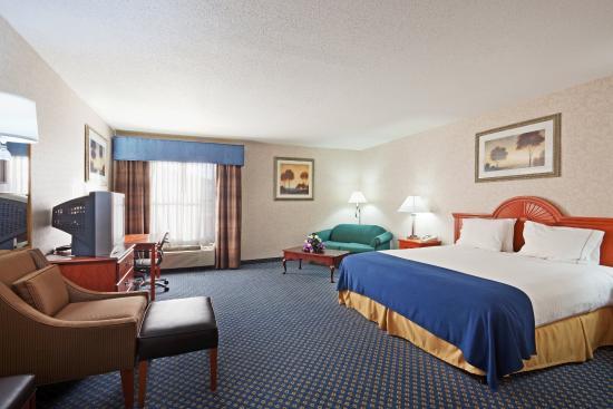 North Attleboro, MA: Suite