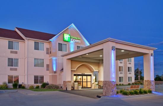 Maryville, MO: Hotel Exterior