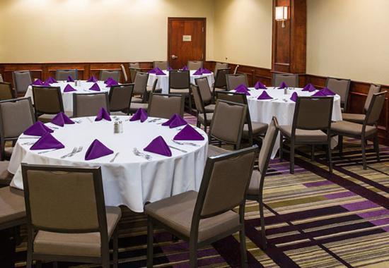 Culver City, CA: Executive Board Room