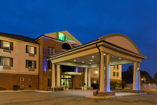 Sylacauga, AL: Hotel Exterior