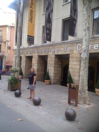 Céret, Frankrig: Outside the museum