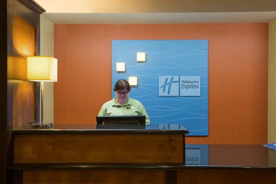 Wauseon, OH: Front Desk