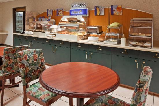 Alliance, OH: Breakfast Bar