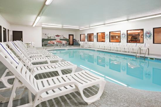 Alliance, OH: Swimming Pool