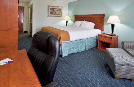 ‪‪Okeechobee‬, فلوريدا: Holiday Inn Express Lake Okeechobee Standard King Bed Guest Room‬