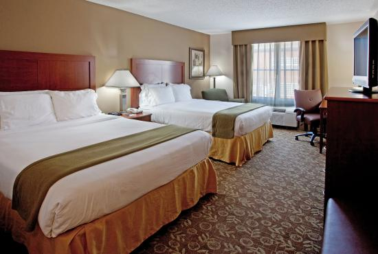 Holiday Inn Express Chapel Hill: 2 Queen Beds Leisure