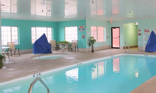 Plainview, TX: Swimming Pool open from 10am -10pm daily