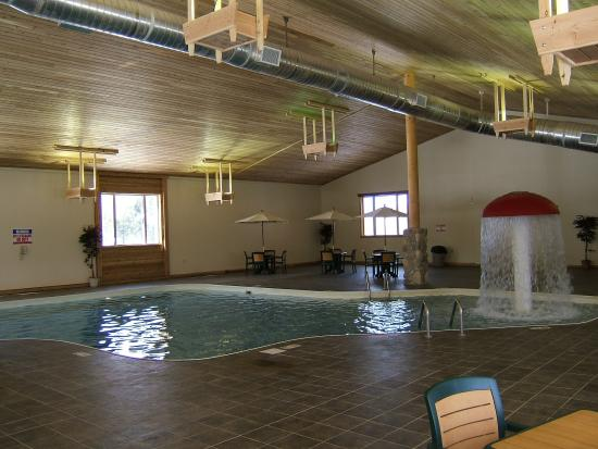 Holiday Inn Express Munising -  Lakeview: Pool View