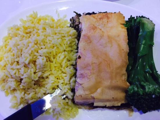 Merrick, Nowy Jork: Spinach pie dinner, including rice pilaf and broccoli