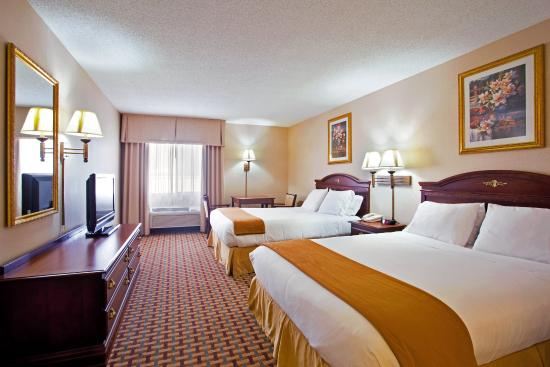Ottawa, IL: Double Bed Guest Room