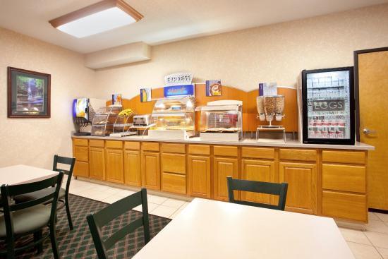 Ottawa, IL : Breakfast Bar