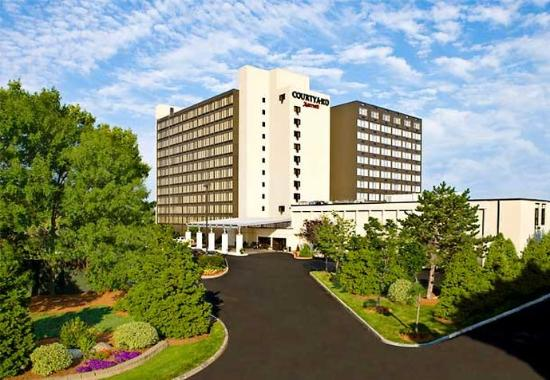 Photo of Courtyard by Marriott Boston Logan Airport