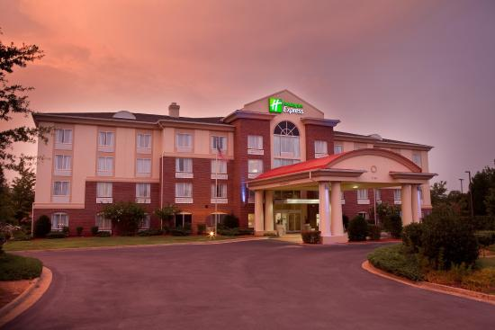 Suwanee, Géorgie : Hotel Exterior