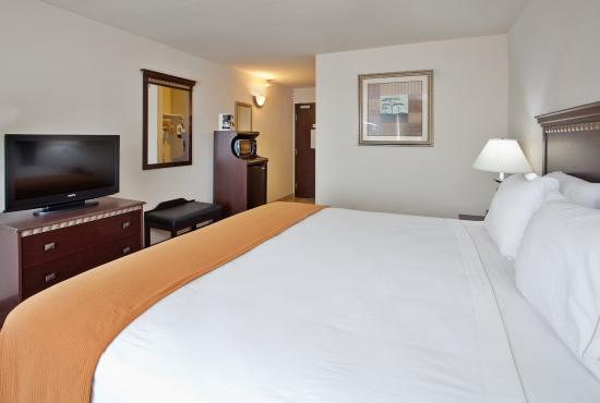 McPherson, Kansas: King Bed Guest Room