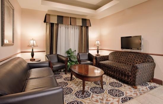 McPherson, Kansas: Hotel Lobby
