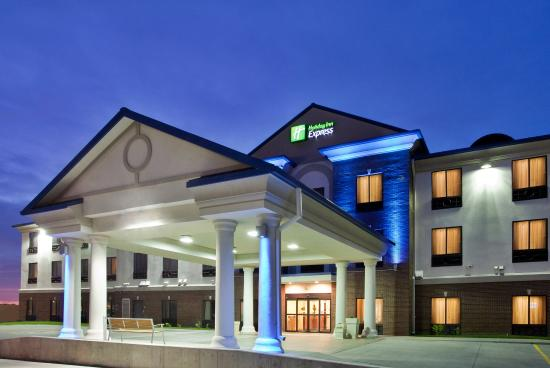 McPherson, KS: Hotel Exterior