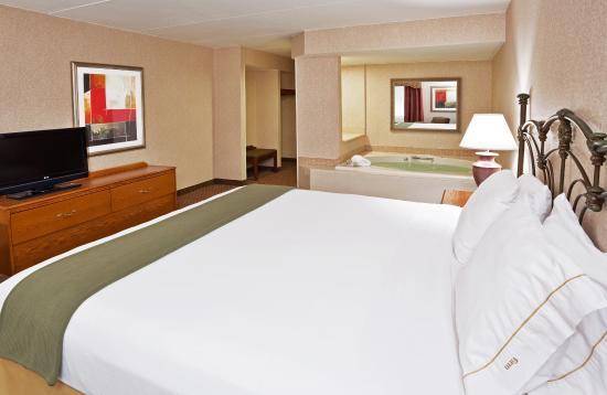 โอคิมอส, มิชิแกน: King Bed Jacuzzi Room