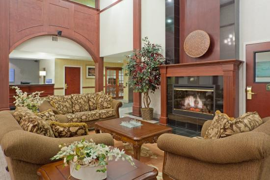 Newton Falls, OH: Relax by our cozy fireplace