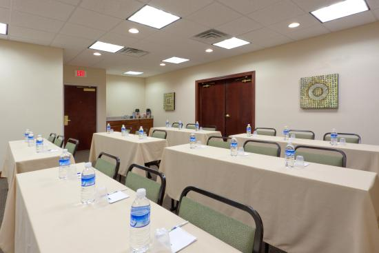 Newton Falls, OH: Our Versatile Meeting Room can Accommodate up to 40 people.