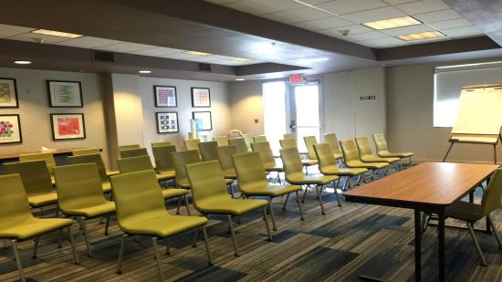Woodland, CA: Meeting Room