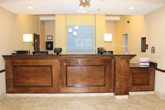 Center, تكساس: Front Desk