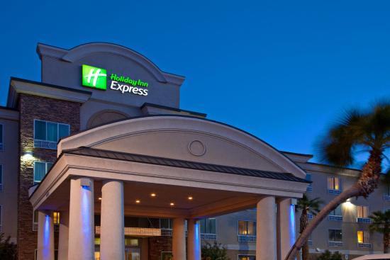 Holiday Inn Express Las Vegas South: Las Vegas South Hotel Exterior
