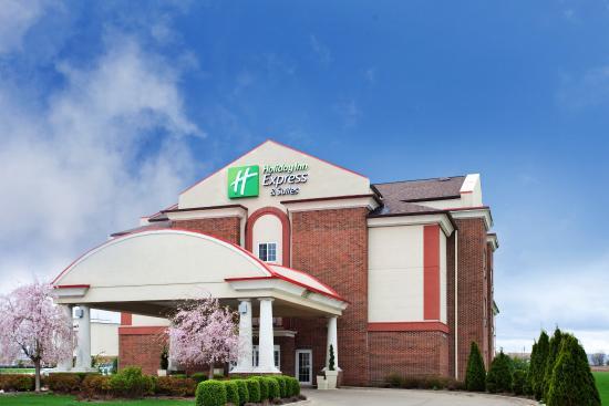 Danville, IL: Hotel Exterior