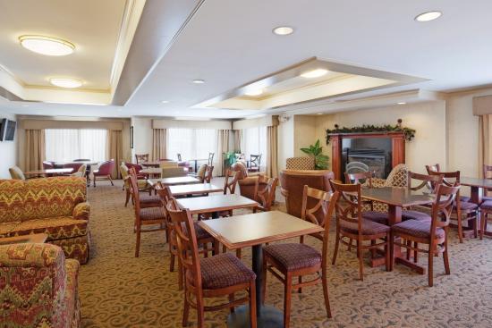 Auburn, Массачусетс: Breakfast Area