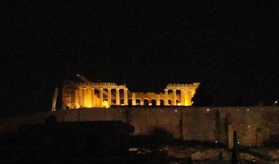 Philippos Hotel: Acropolis by night from room 603