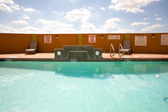 Rio Grande City, تكساس: Outdoor Swimming Pool