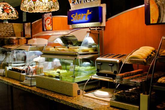 Warrensburg, MO: Breakfast Bar