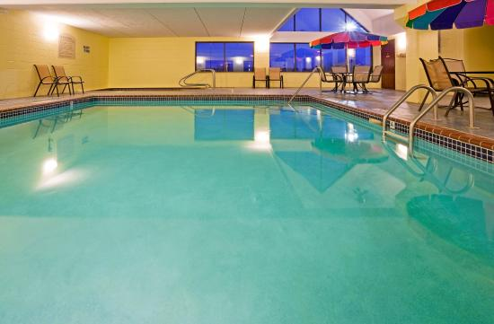 Coon Rapids, MN: Enjoy fun with the whole family in our indoor heated pool