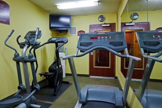 Coon Rapids, MN: Get in a quick workout in our fitness center