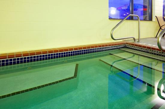 Coon Rapids, MN: Come and relax in our whirlpool.