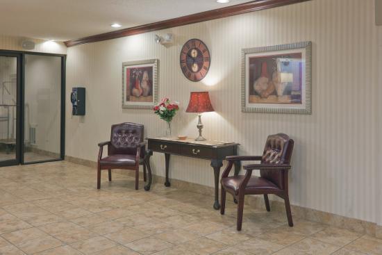 Rensselaer, IN: Hotel Lobby