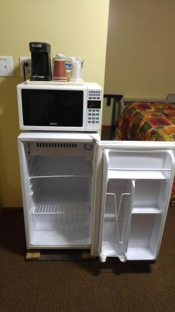Dalhart, Техас: Personal microfridge, microwave and coffeemaker. All worked perfectly fine.