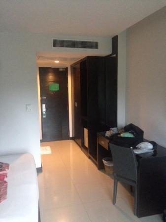 Simplitel Hotel: Escritorio de la habitación