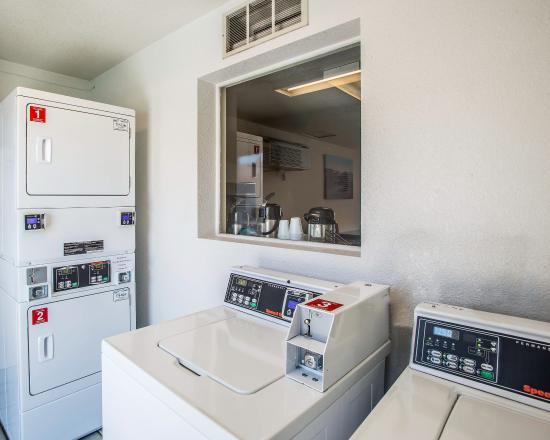 Evans, CO: Laundry