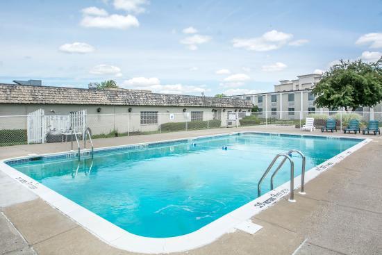 Geneseo, Нью-Йорк: Pool