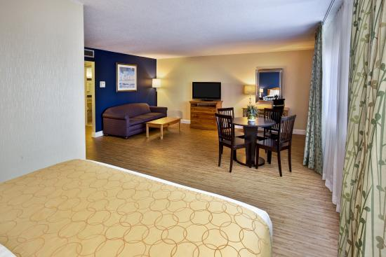 Seekonk, MA: Junior Suite