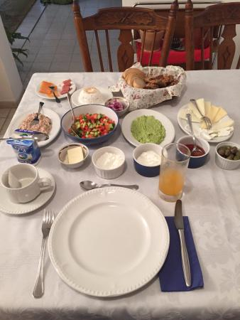 Villa Nahalal: Breakfast for 1 in the morning.