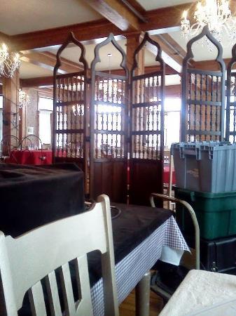 Terrace Inn and 1911 Restaurant: Bar/Lounge