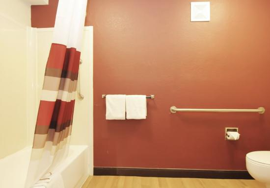 Hoffman Estates, IL: ADA Accessible Bath