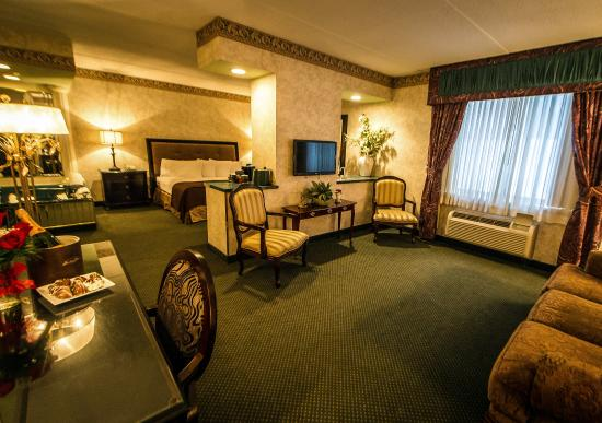 Salvatore's Garden Place Hotel, an Ascend Hotel Collection Member: Guest Room